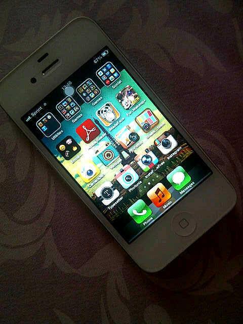 [wts] iphone 4g 8gb white cdma purwokerto semarang jakarta