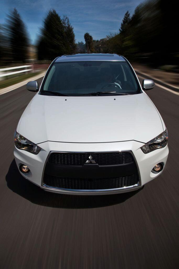 READY Mitsubishi Outlander PX cash back mulai 17 JUTA + Vkool