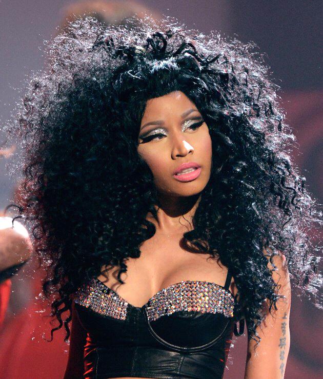 [Fanbase]Nicki Minaj,juri american.idol yg eksentrik ( Barbz and Kenz masuk )