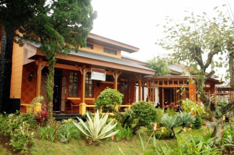 sewa villa di kota bunga - cipanas - cianjur / puncak ( villa optimus prime )