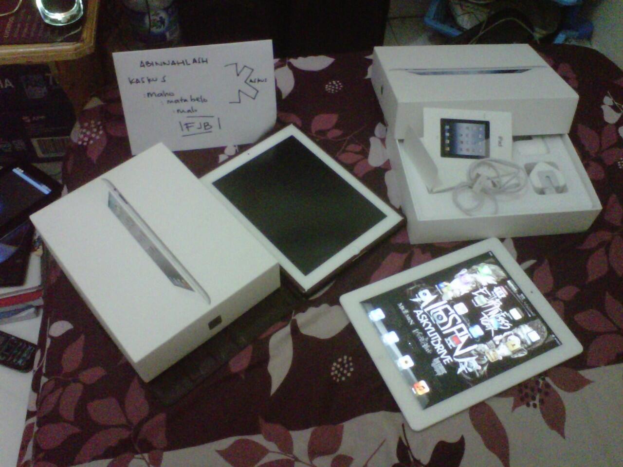 iPad2 16GB 3G+wifi Full Set, ex pemakaian cewe, pembelian agustus 2012, mulus banget