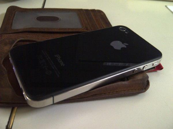 [WTS] Iphone 4 32 GB FU Black Gresik 99% like new!!