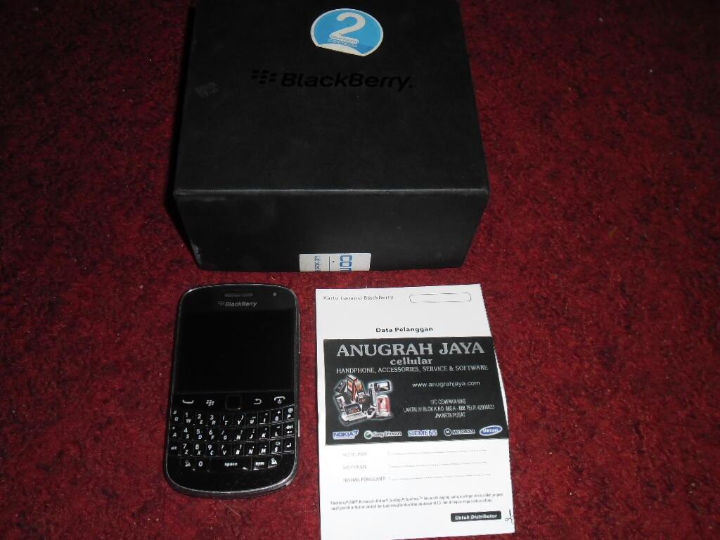Blackberry Dakota 9900 Black Trikomsel Comtech (Resmi RIM) Second Harga Murah Gan