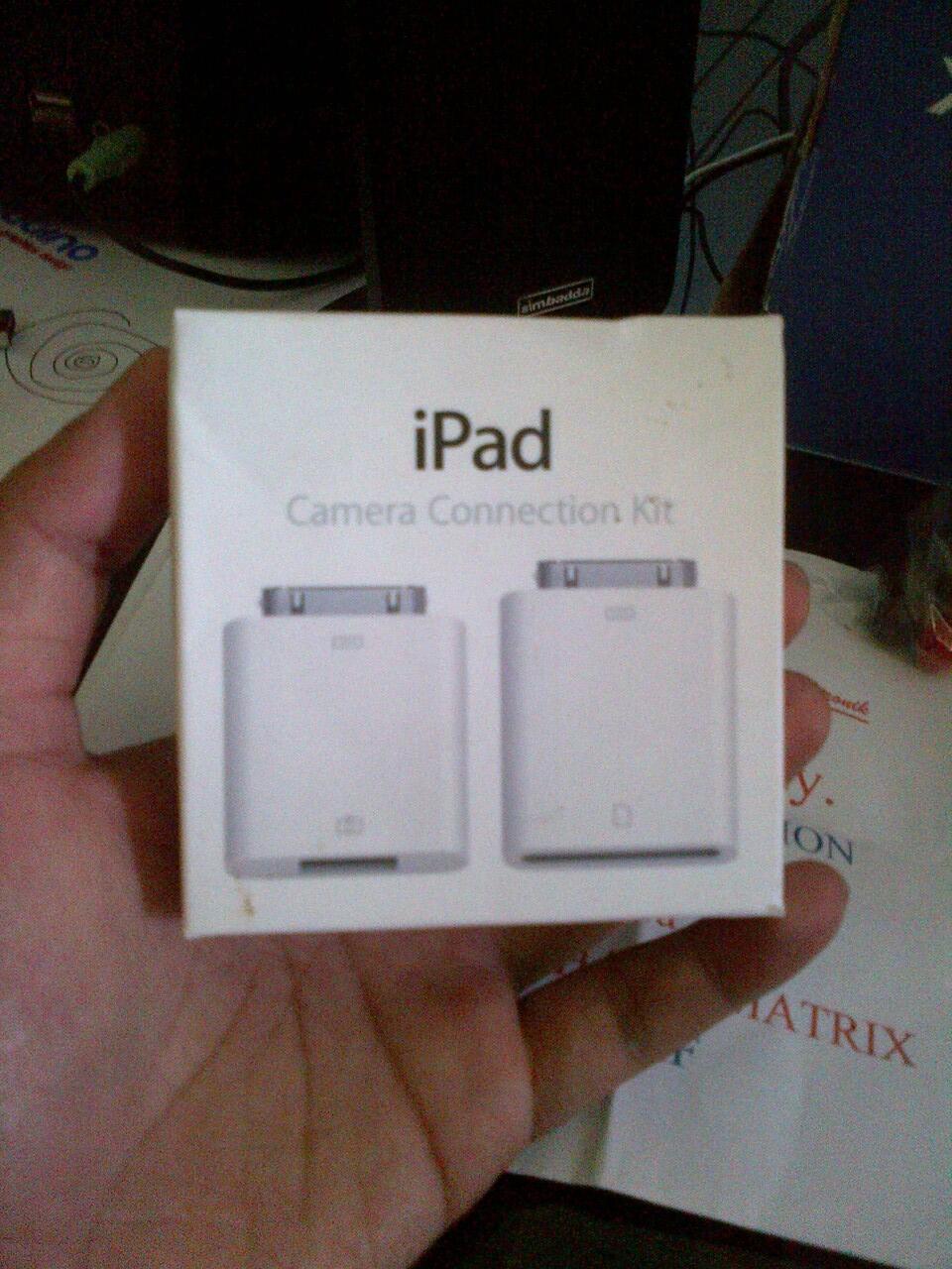 WTS iPad (1/2/3) Camera Connection Kit (Bisa Untuk Membaca Isi Flashdisk)