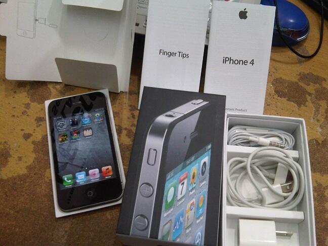 iPhone 4G 16GB FU black mulus banget , komplit ( garansi personal ) rekber / COD