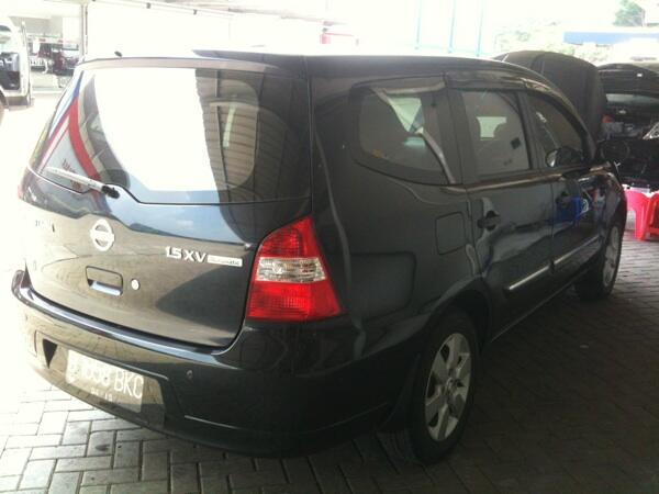 Nissan grand livina 2010 at