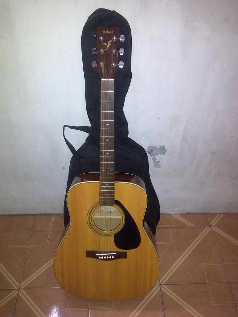 Gitar YAMAHA F-350