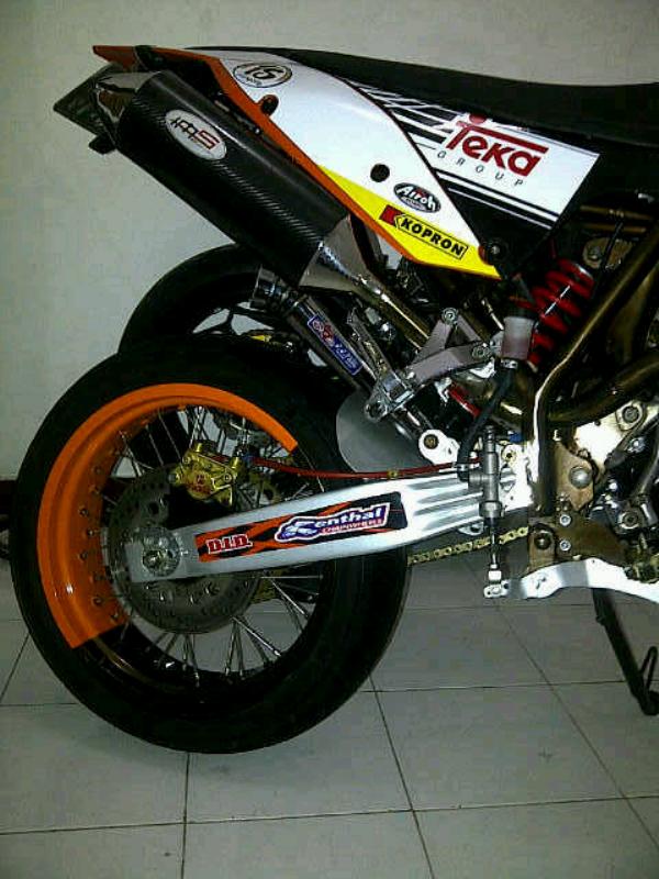 Honda Mega Pro Supermoto KTM 250