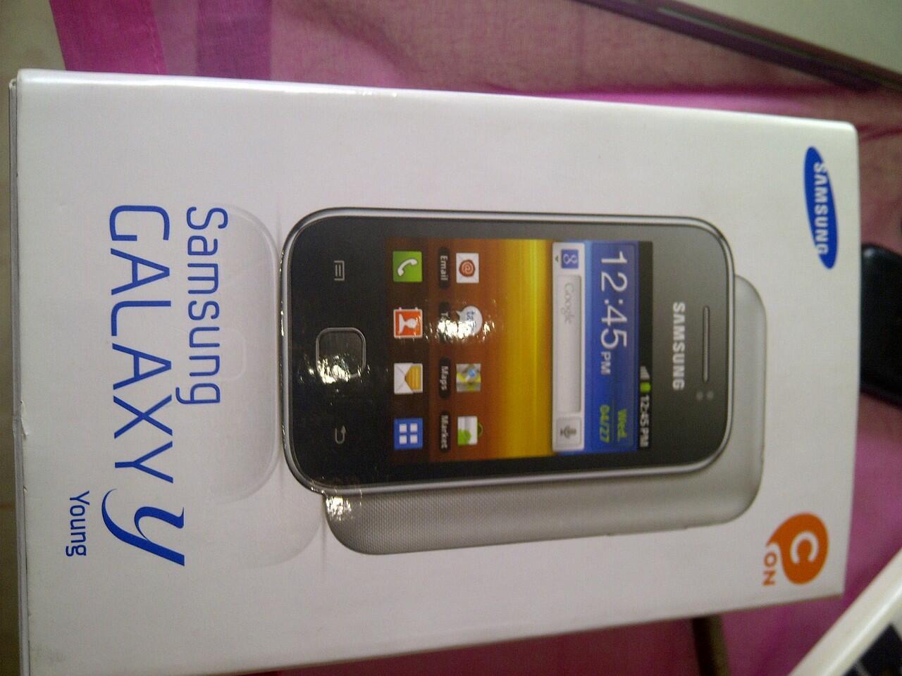 Jual Samsung Galaxy Young BNIB (dapet hadiah)