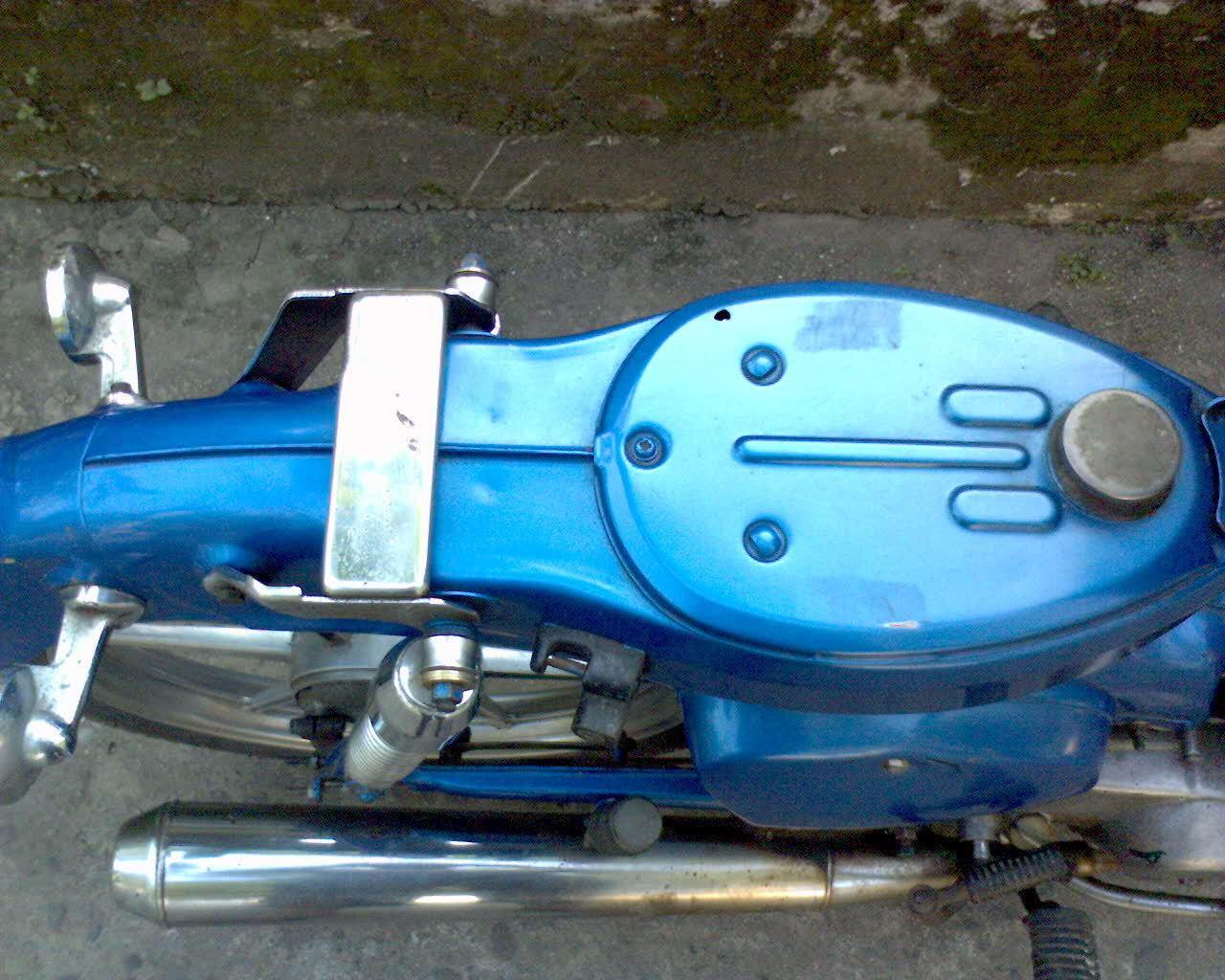 Honda C70 Pitung Biru Bahan