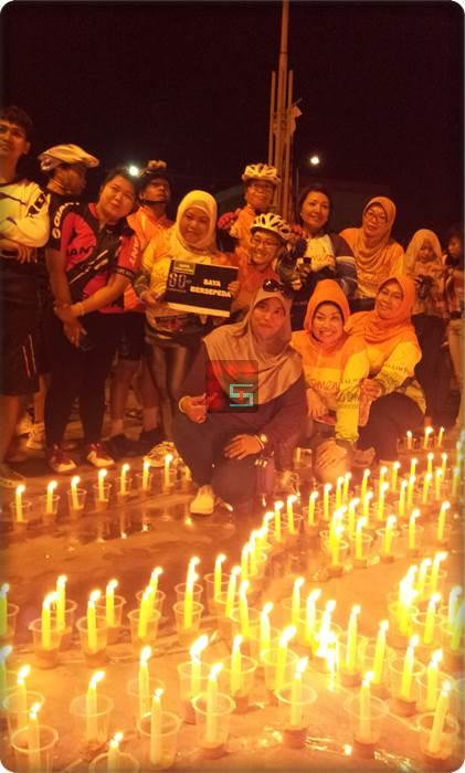 Balikpapan Sukses Mengkampanyekan Earth Hour 23 Maret 2013 di E-walk BSB