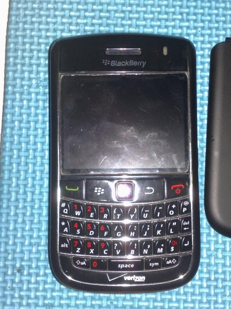 Bb/blackberry 9650 essex jogja/yogyakarta