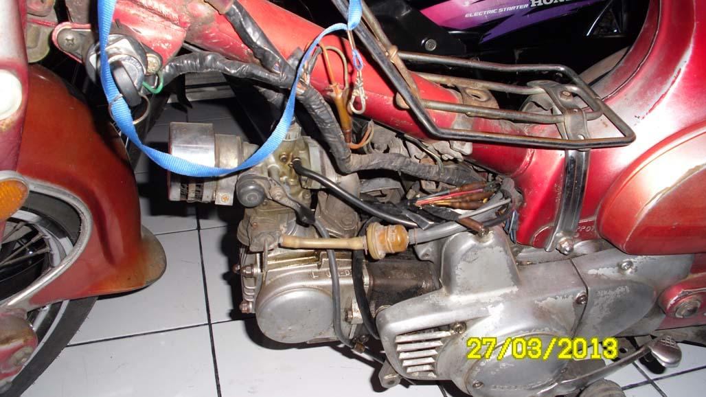 Honda C70 Tahun 1977 , Istimewa (Full Kelistrikan Normal)