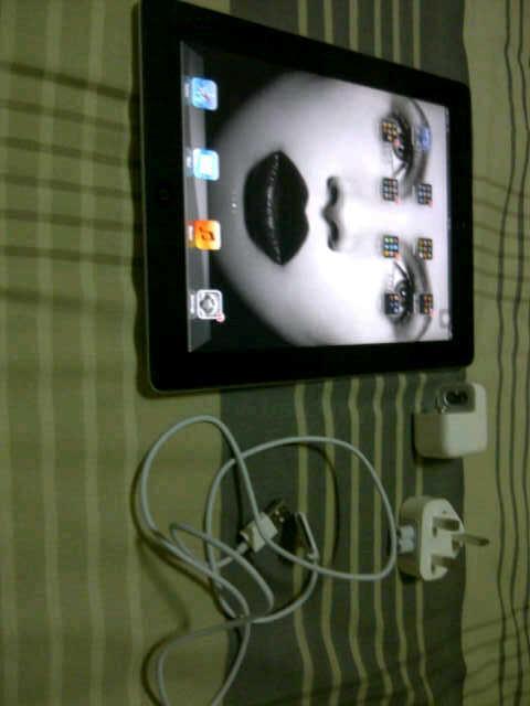 IPAD 2 16GB 3G WIFI BLACK MULUSSSS!!