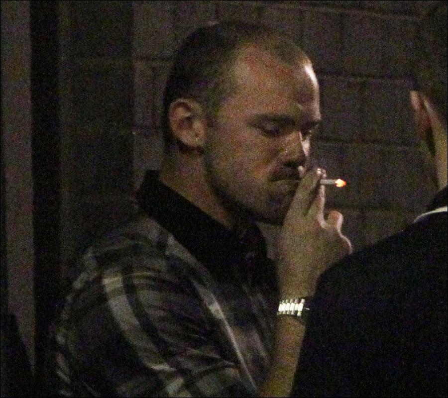 Pesepakbola dan Rokok merupakan Sahabat Akrab
