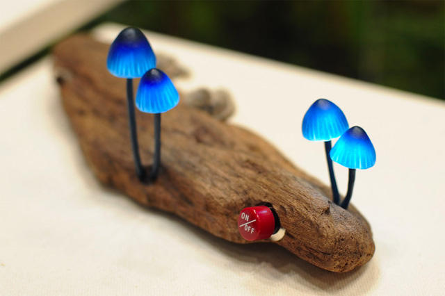 Unik lampu menyerupai jamur{Lucu}