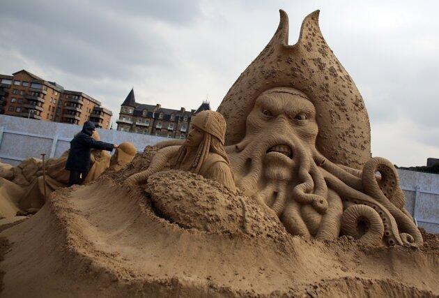 Festival patung pasir Weston