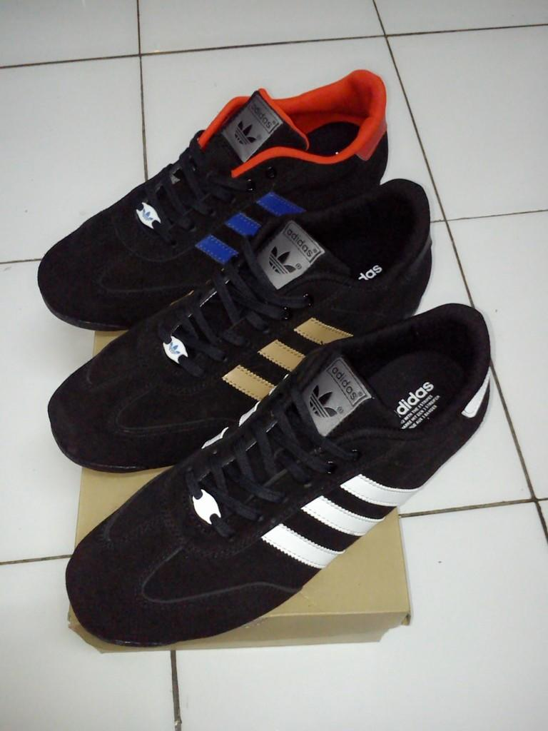 Terjual Sepatu Adidas Samba ( Adidas Samba )  ea93c51878