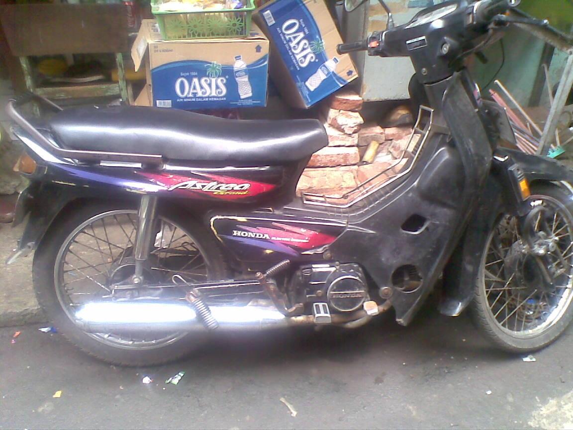 Honda Astrea Black Grand Thn. 94 Orisinil