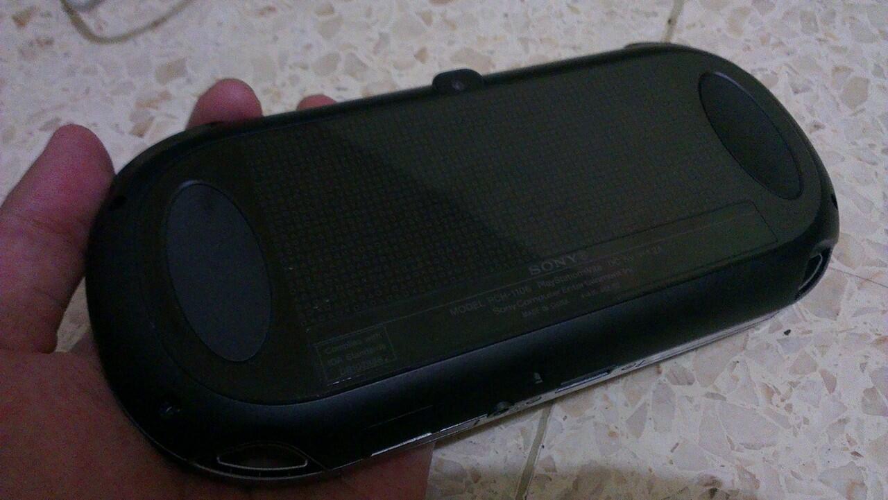 ps vita / psvita wifi black 98% semarang