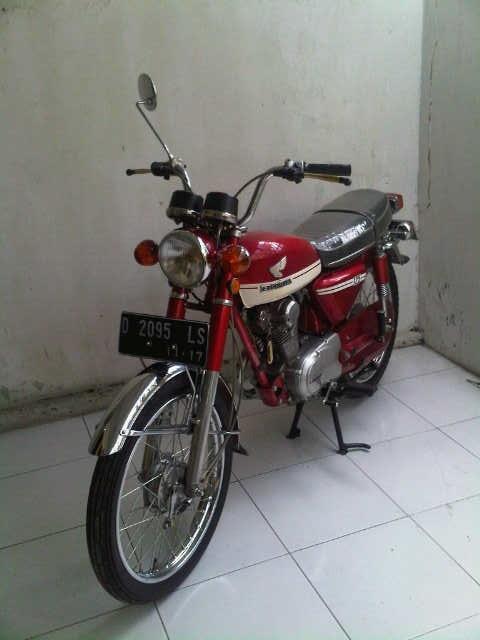 [bandung] Honda CB125 thn 1973 warna merah, km rendah, barang koleksi