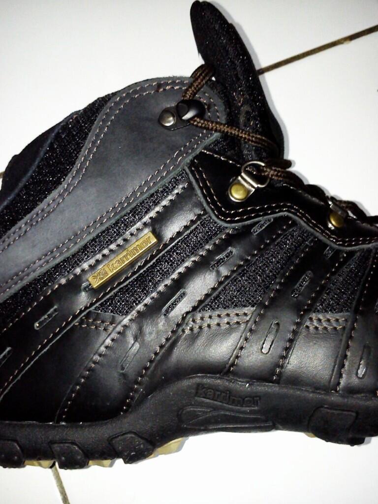 Terjual Sepatu Low Tracking (Karrimor)  b5e487e63f