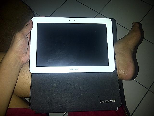 Galaxy Tab GT-P7500 Masih Mulus Bekas istri...