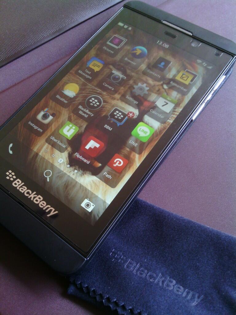 JUAL ★★★ Blackberry Z10 TAM 2nd sebulan Full Set+ Bonus ★★
