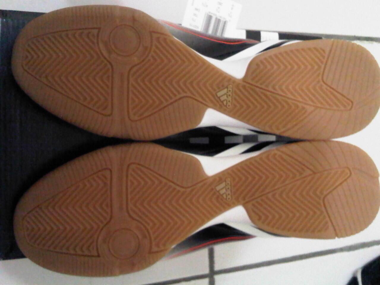 Sepatu Futsal Adidas Predator LZ IN