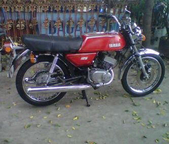 YAMAHA RX TWIN 125cc MERAH TAHUN 1976 ORISINILAN (BANDUNG)