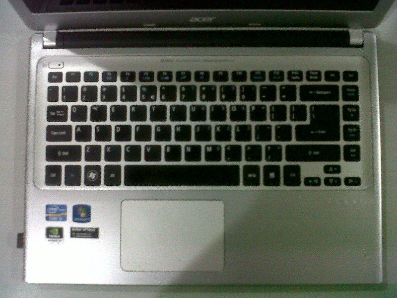 ">>> Laptop Acer Aspire V5-471G Core™ i3 Slim Gaming & Design <<< ""Jual Cepat"""