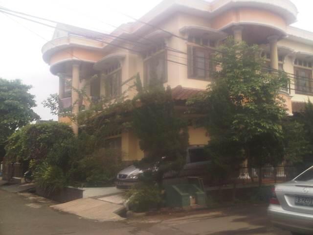 Jual Rumah di Permata Puri 2 Cimanggis Depok. LT 325. 2,5 M Nego.