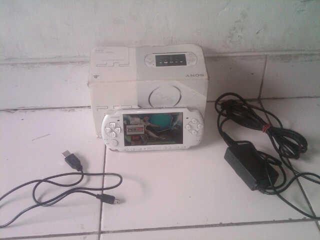 PSP 3006 SLIM PUTIH