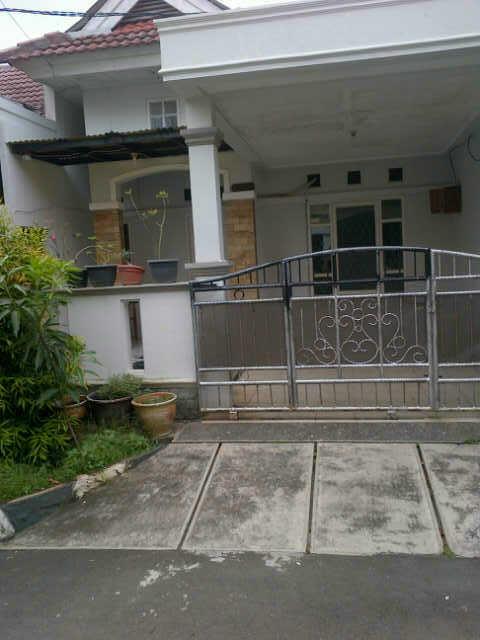 Dijual sebuah rumah, di Perum Duta Harapan Bekasi. Hanya 800 mtr dari Summarecon Bks