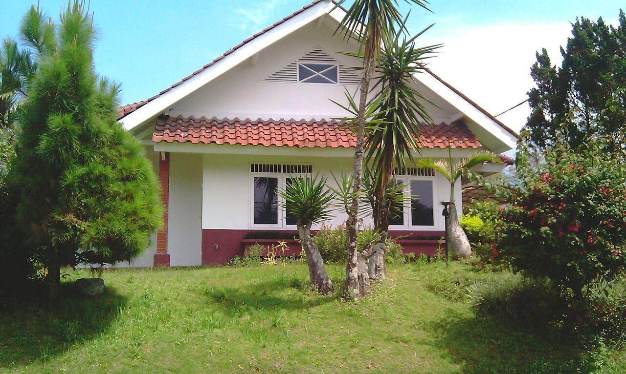 Vila Kota Bunga Puncak 6 Kamar 1 Lantai - Jarang Ada