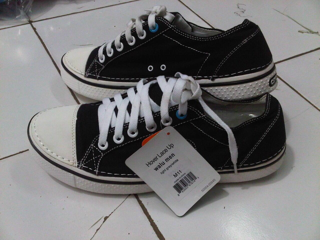 a196a80fd9540a Terjual Sepatu Crocs for Men serba 140.000