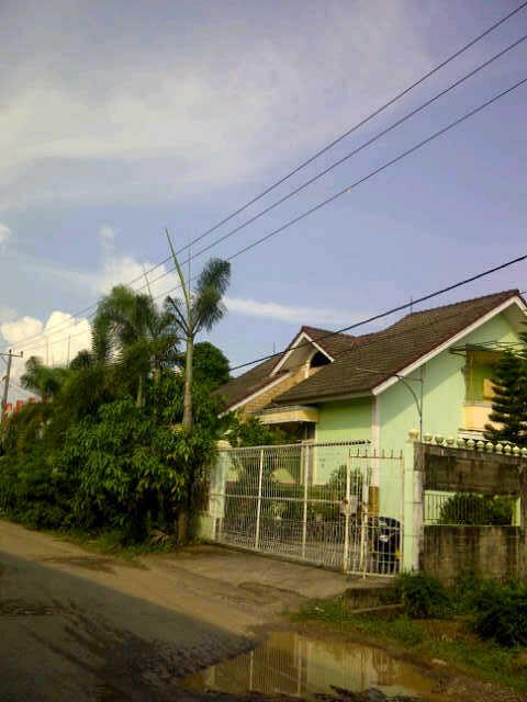 Rumah Modern di Kebun Bunga Palembang