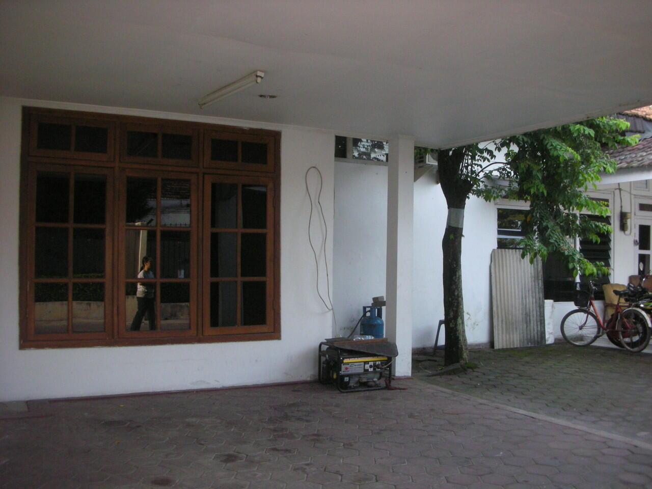 dijual cepat rumah cocok untuk rumah tinggal / kos-kosan / home industri