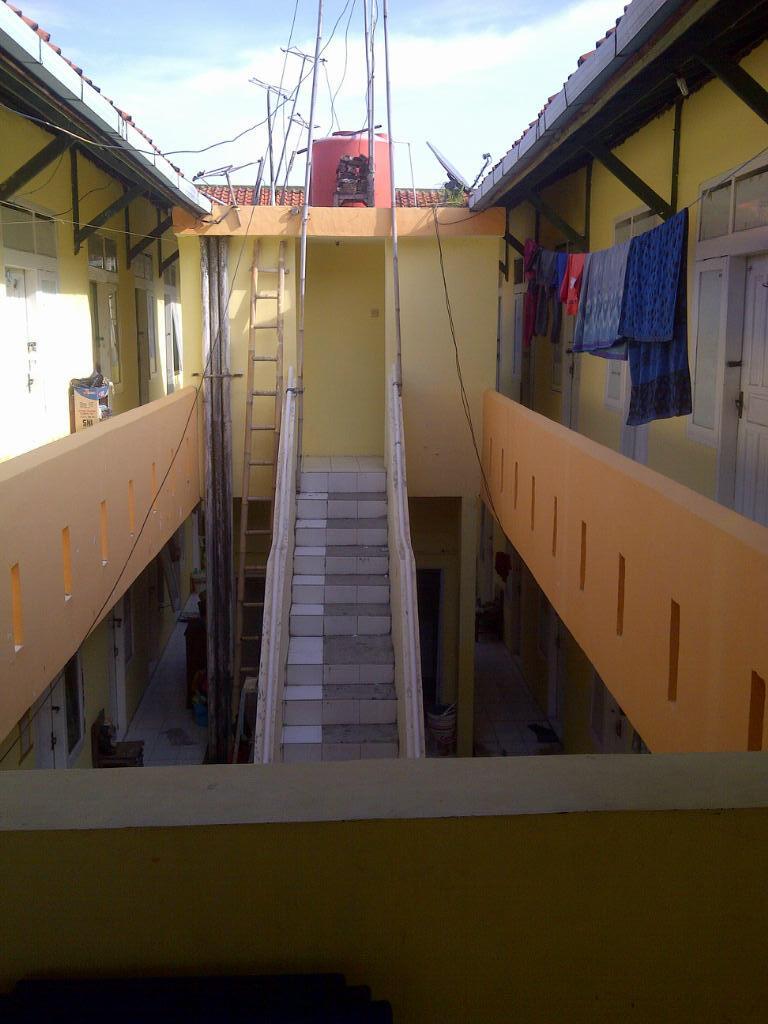Rumah Kos2an 2 Lantai Di Kota Cirebon, Dekat 2 Mall Terbesar Di Kota Cirebon