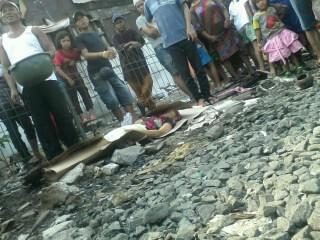 [Lokal] Seorang Perempuan,Usia -/+ 50 Thn Tertabrak KA Di St. Duri
