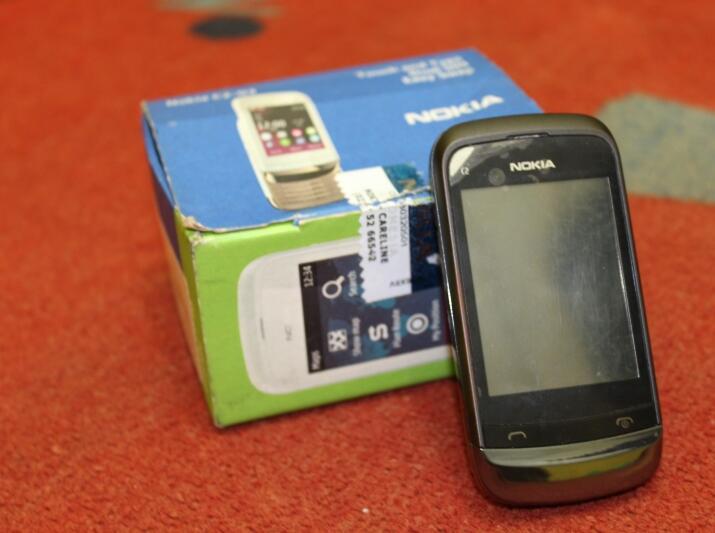 handphone nokia C2-03