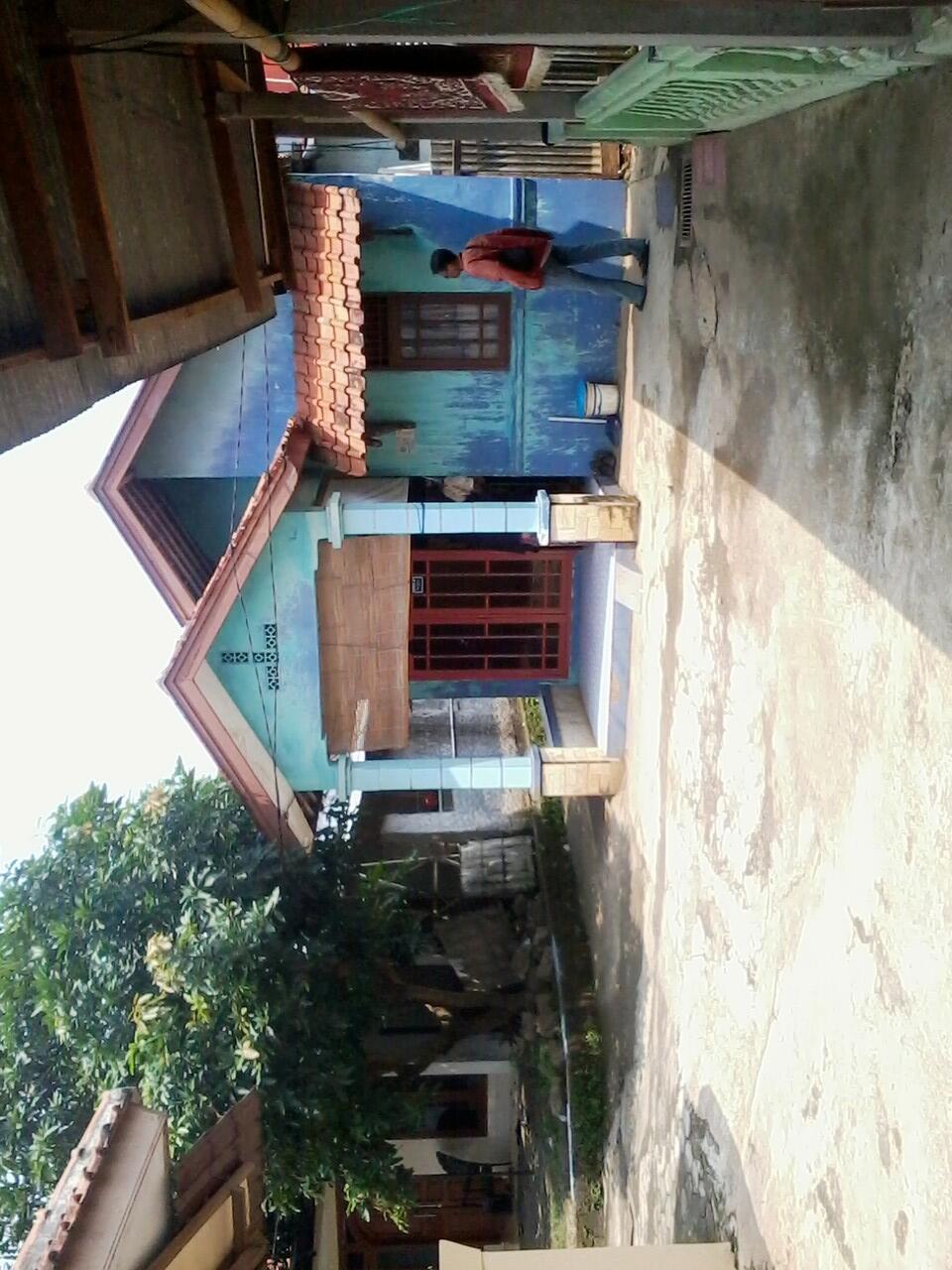 Rumah di jual di area srengseng