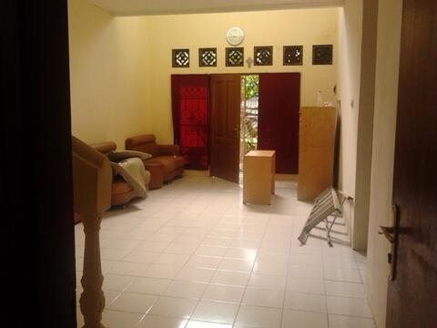 Disewakan Rumah Dalam Kompleks Griya Kencana II Cileduk