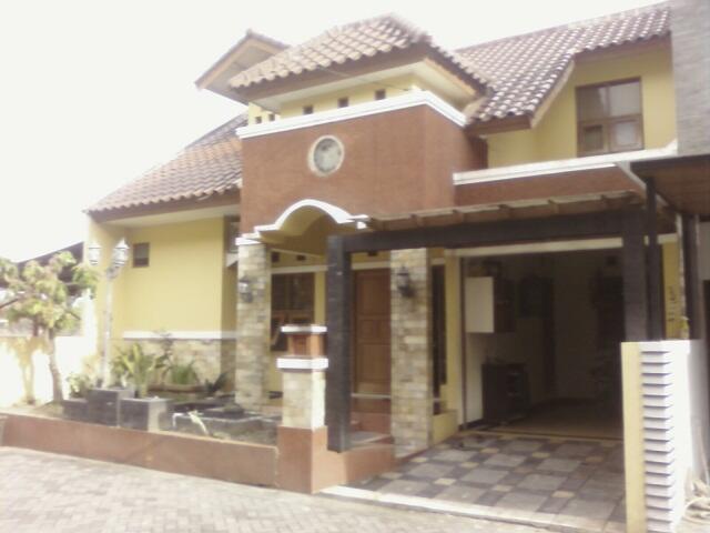 Rumah Mewah Di Jl. Anggajaya, Condongcatur, JOGJAKARTA !!!