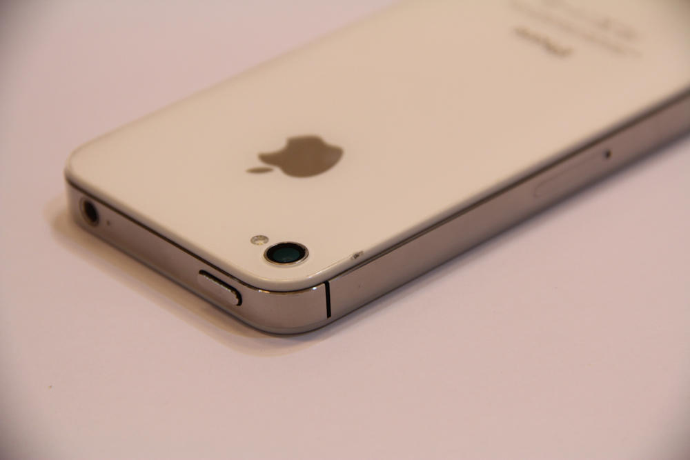 iPhone 4s 64GB like new. 4s 64GB white. Bisa cash & cicilan 3 bulan. Jakarta.