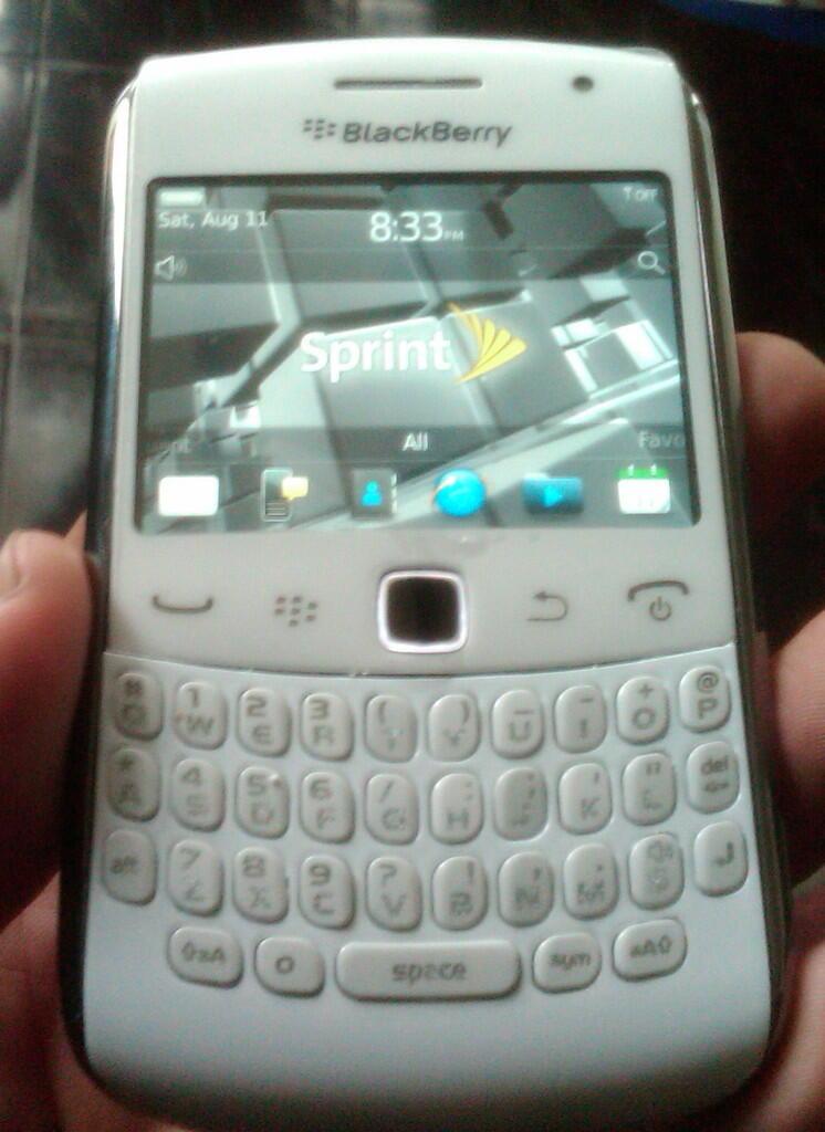 ★★★ JUAL Butuh Iphone 4CDMA 32gb,BB Sedona White/9350,BB Keppler CDMA/9330 Ex USA ★★★