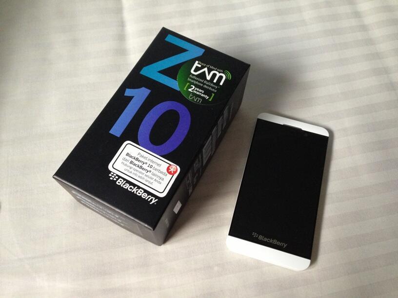 Blackberry Z10 White TAM 6 Jtan