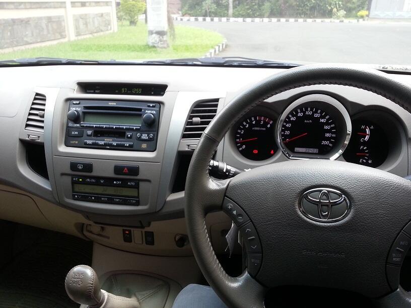 Toyota Fortuner 2008 M/T Diesel
