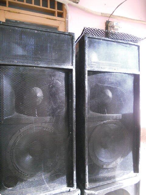 "Speaker sound system 3 way 2x15"", 2x12"""