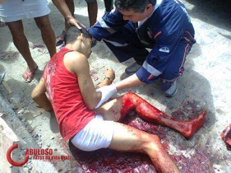 utang ga bayar janji2 doang, bikin kesel, jadi deh ditembak, darah abis nyawa amsyong